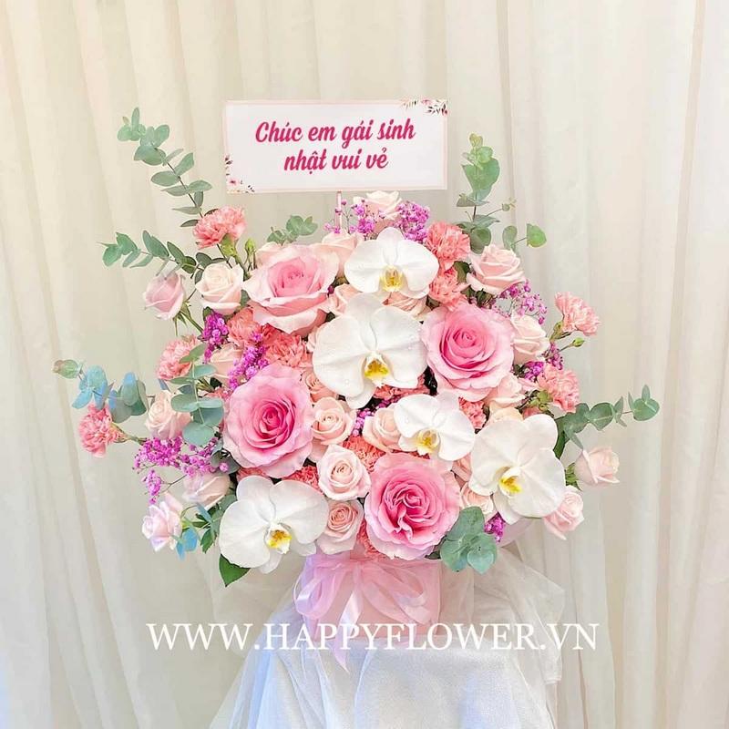 giỏ hoa hồng phối hoa lan màu trắng