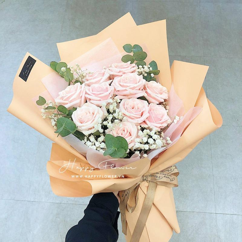 bó hoa hồng màu hồng nhạt