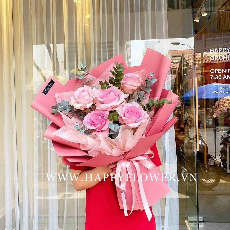bó 5 bông hoa hồng màu hồng đậm