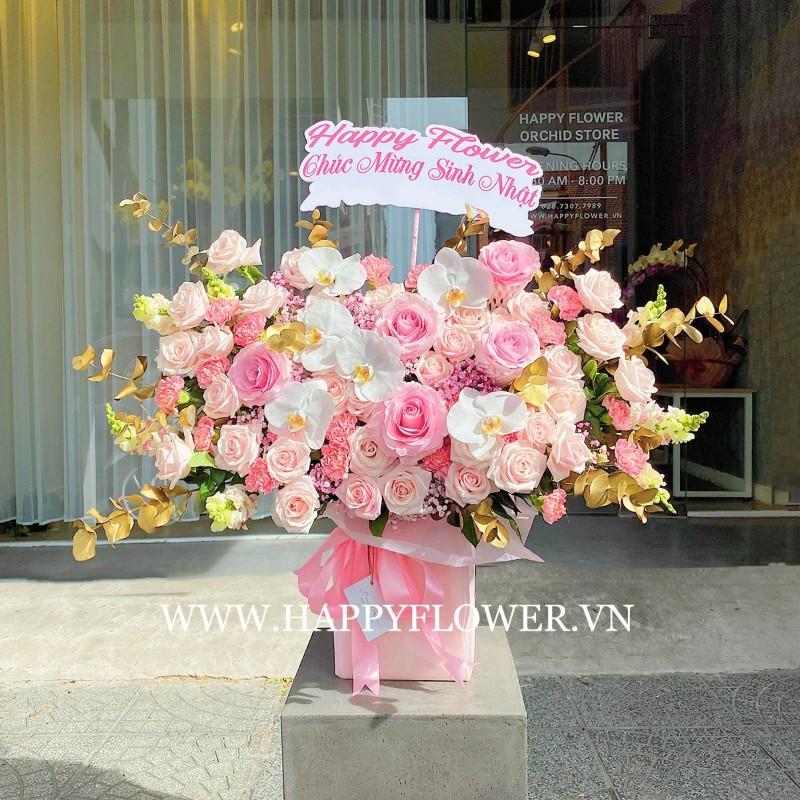 Lãng hoa tặng sinh nhât bằng hoa hồng