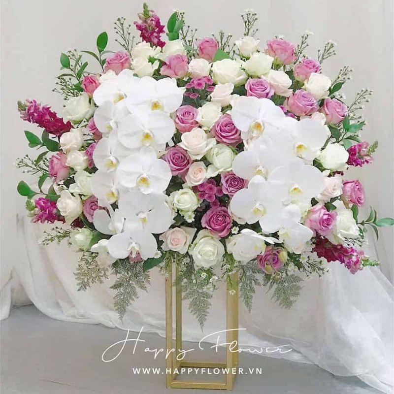 bó hoa hồng tím mix lan hồ điệp