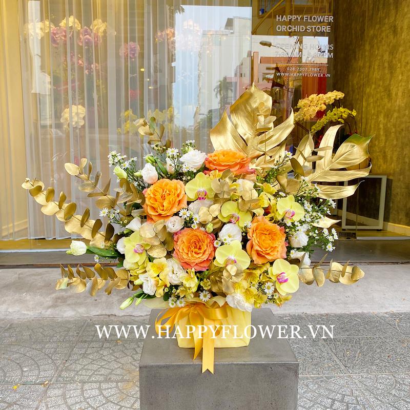 Chậu hoa hồng màu vàng mix lan hồ điệp trắng chúc mừng khai trương