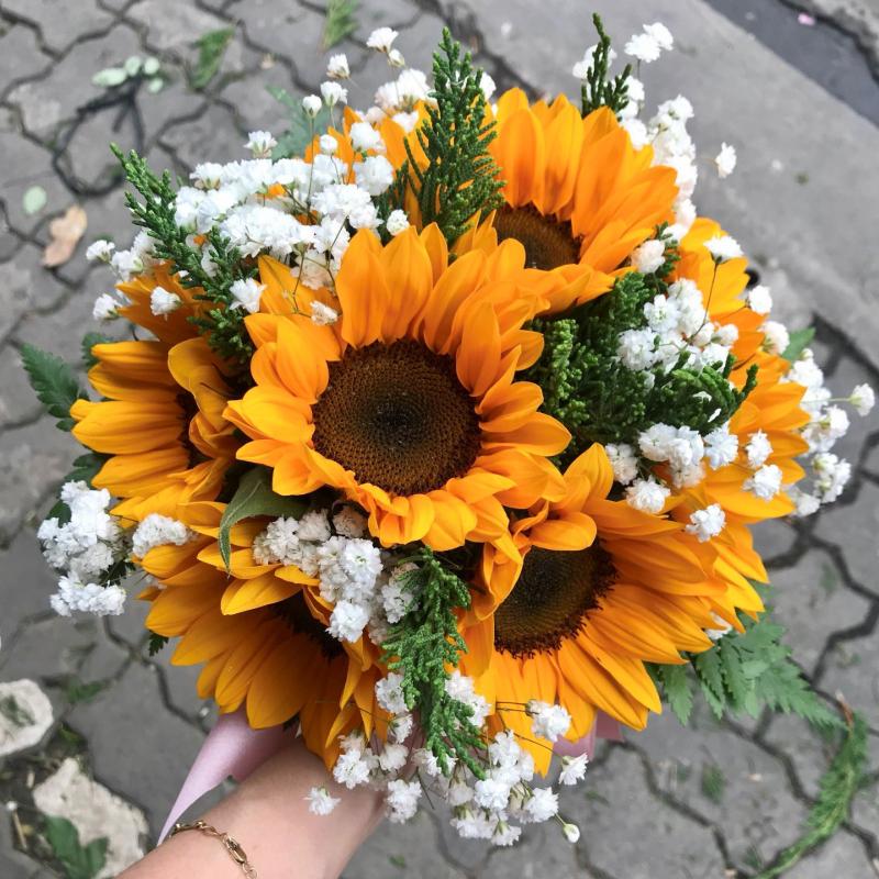 bó hoa hướng dương kết hợp hoa cúc họa mi