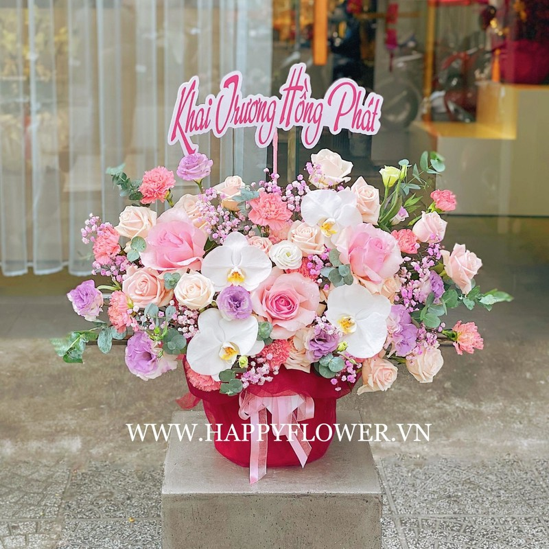 lẵng hoa khai trương hoa hồng mix lan hồ điệp trắng và hoa baby tím