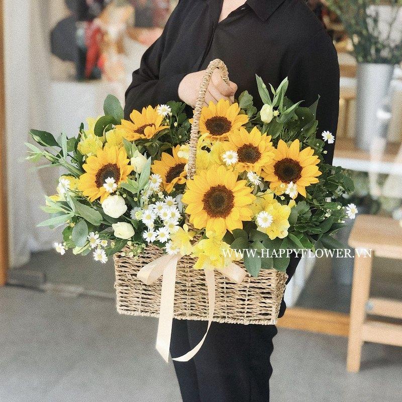 giỏ hoa khai trương hướng dương vàng mix hoa cúc trắng