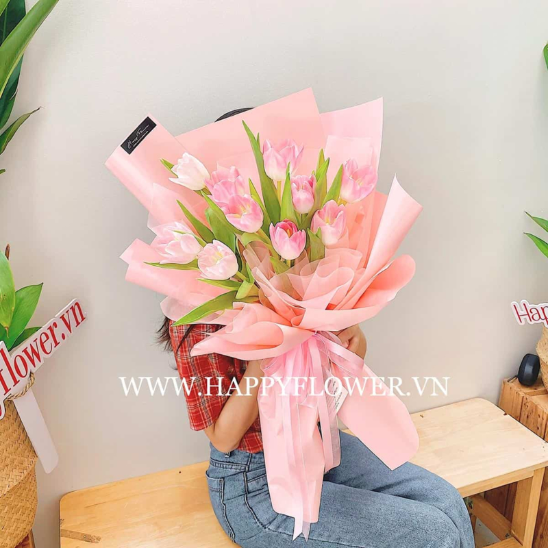 bó hoa Tulip hồng màu hồng