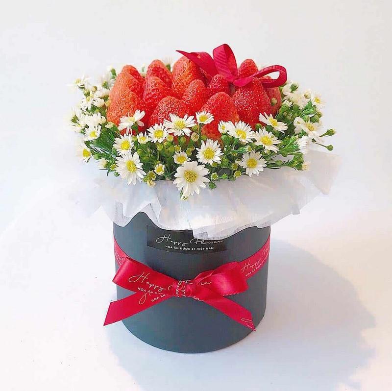 giỏ hoa dâu tây đẹp tặng người yêu