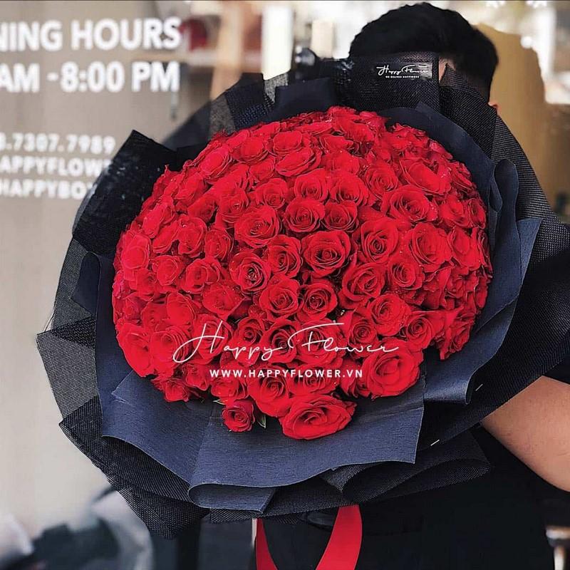 bó 99 đóa hoa hồng màu đỏ đẹp rực rỡ