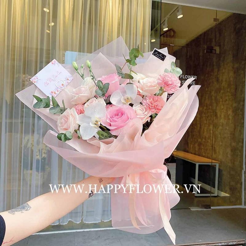 bó hoa cát tường và hoa hồng phớt