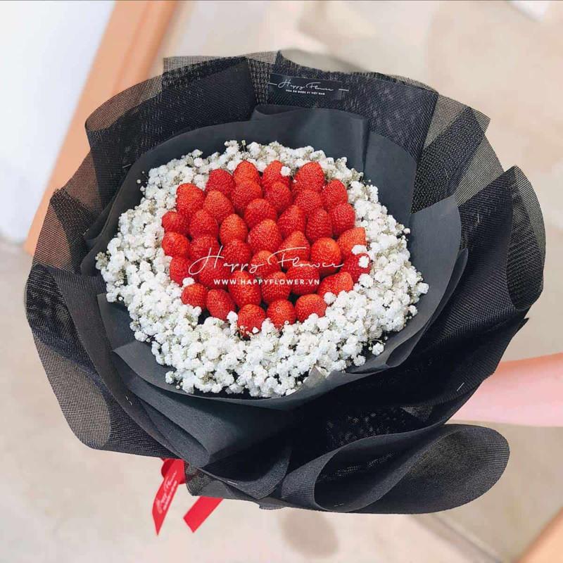 bó hoa sinh nhật dâu tây ăn được mix hoa baby trắng