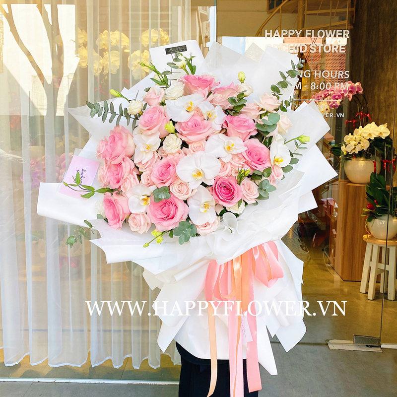 bó hoa sinh nhật hoa hồng Ecuador mix lan hồ điệp trắng