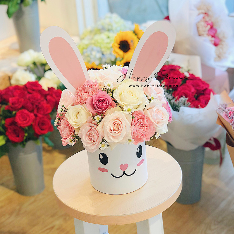 Hộp hoa sinh nhật cho bé gái hoa hồng mix hoa cẩm chướng