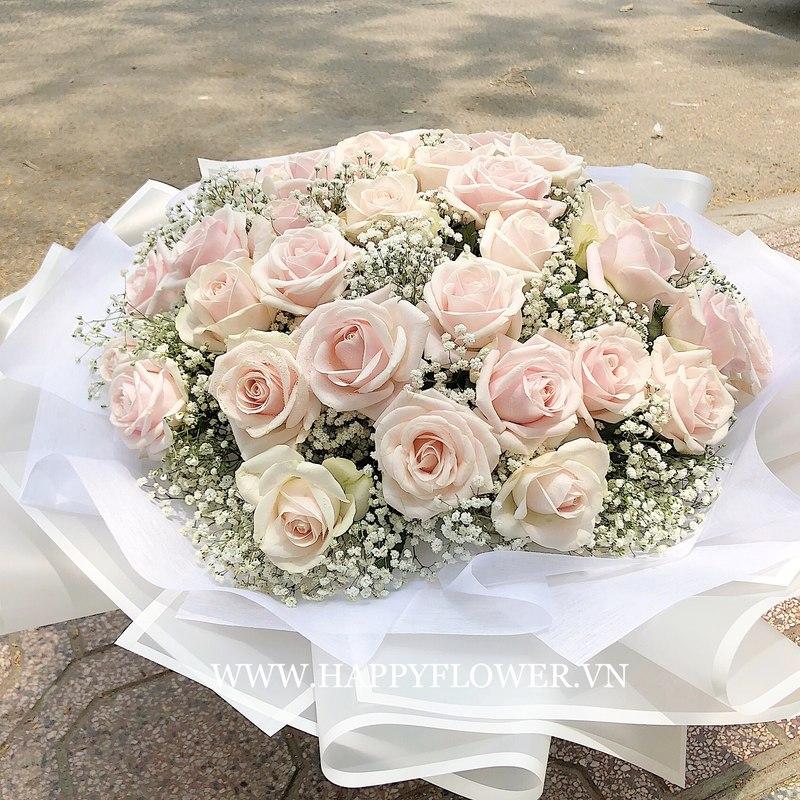 Bó hoa sinh nhật cho bé gái kết từ hoa hồng phấn mix hoa baby trắng