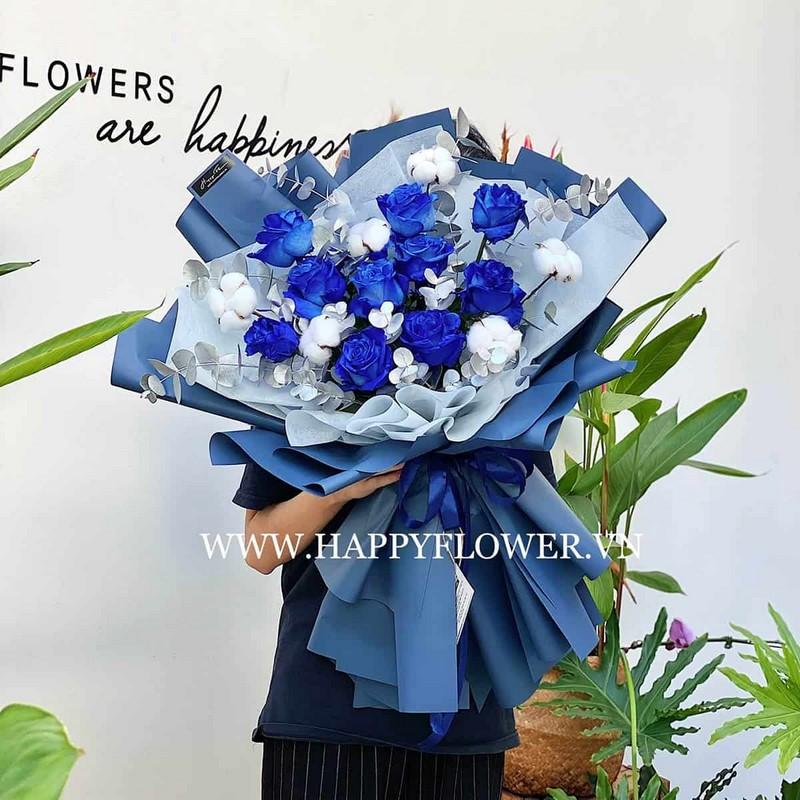 bó hoa hồng màu xanh dương tặng sinh nhật nam giới