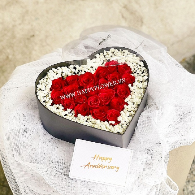 Hộp hoa hồng hình trái tim