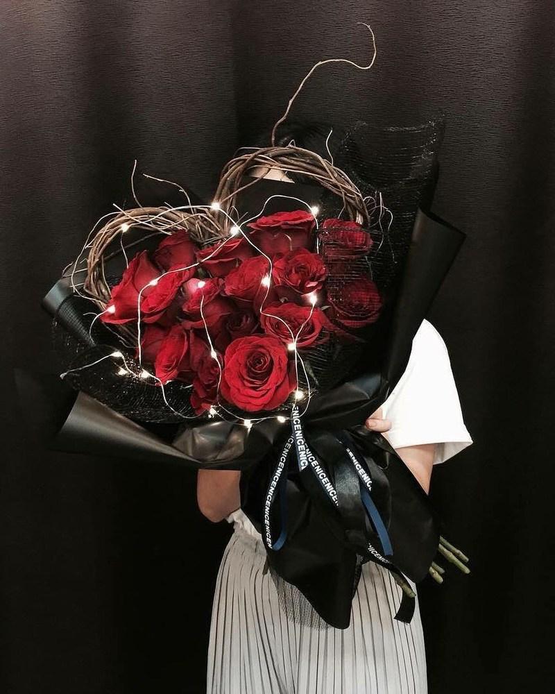 bó hoa sinh nhật hình trái tim hoa hồng đỏ độc đáo