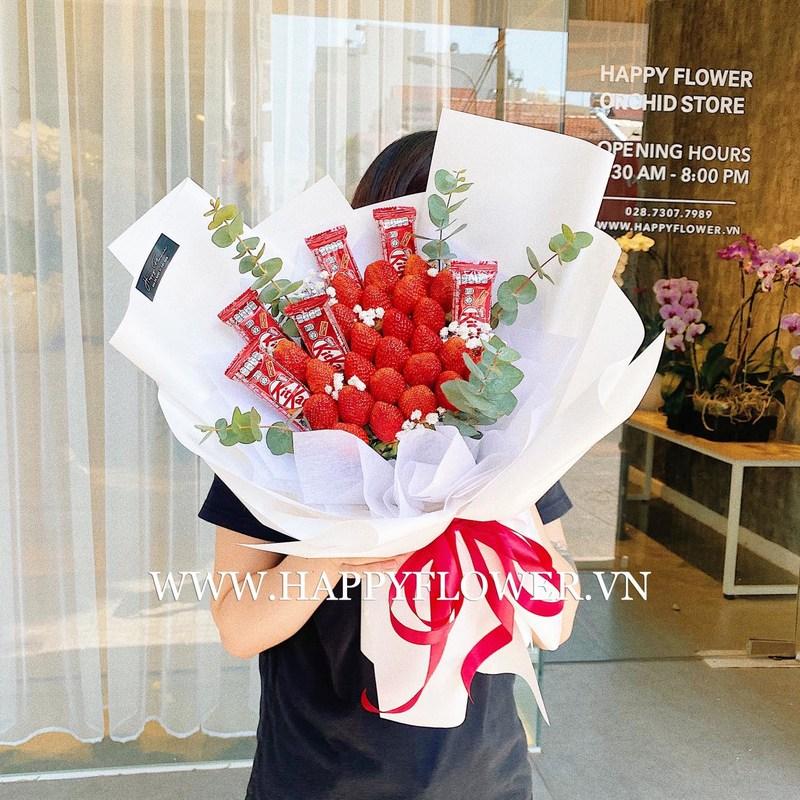 bó hoa sinh nhật dâu tây mix Kitkat