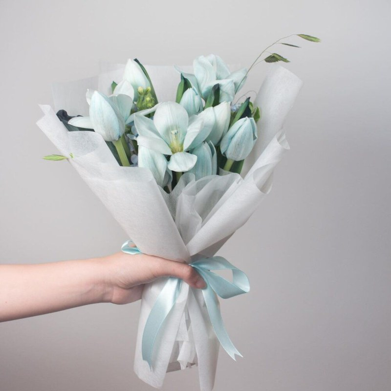 bó hoa sinh nhật hoa tulip xanh nhạt nhã nhặn