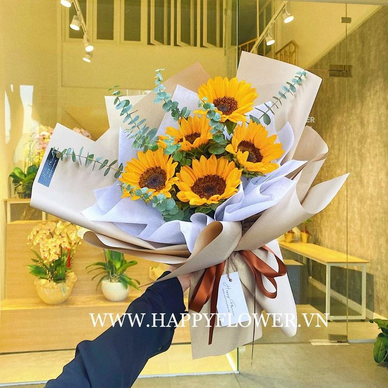 bó hoa sinh nhật tháng 3 hướng dương vàng rực rỡ