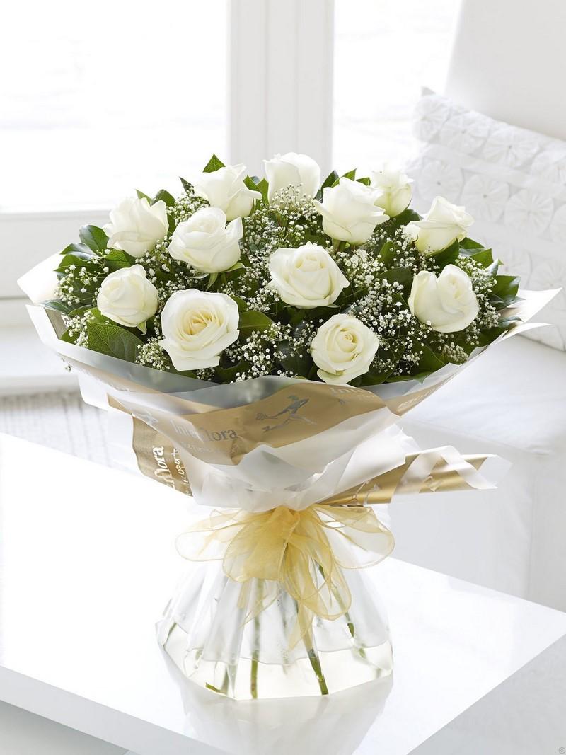 bó hoa hồng màu trắng lớn