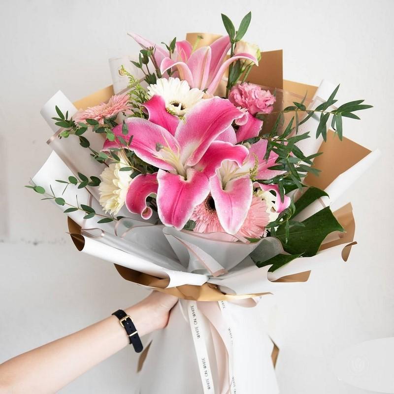 bó hoa lily hồng tặng sinh nhật