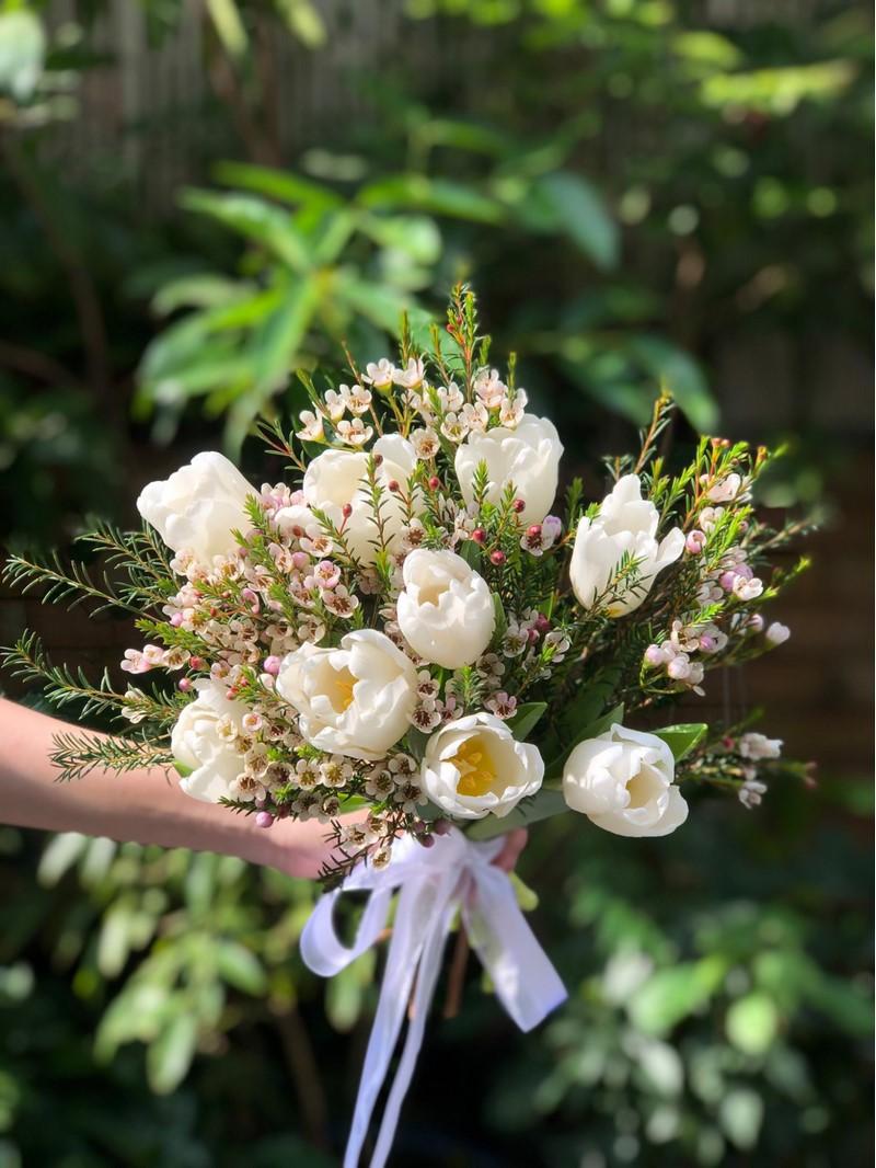bó hoa tulip trắng đẹp