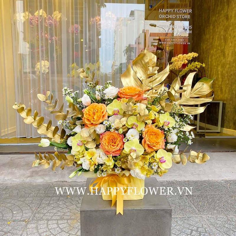 Giỏ hoa màu vàng cam