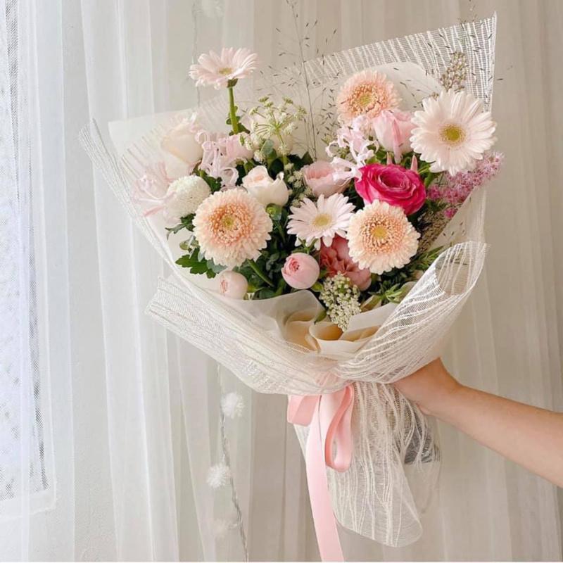 bó hoa tốt nghiệp hoa đồng tiền màu hồng phấn nhẹ nhàng