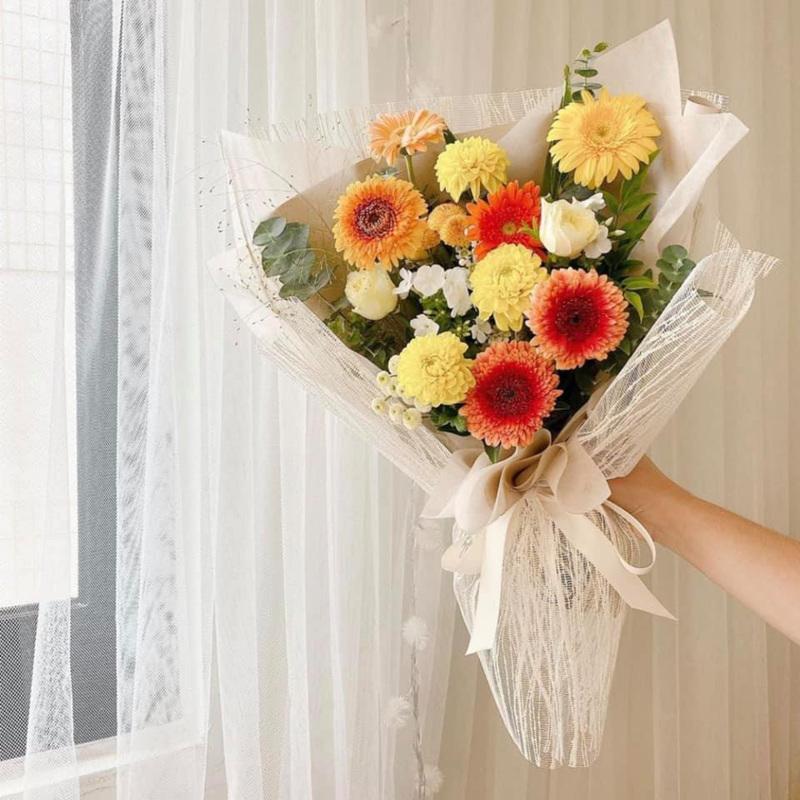 bó hoa tốt nghiệp hoa đồng tiền nhiều màu sắc rực rỡ