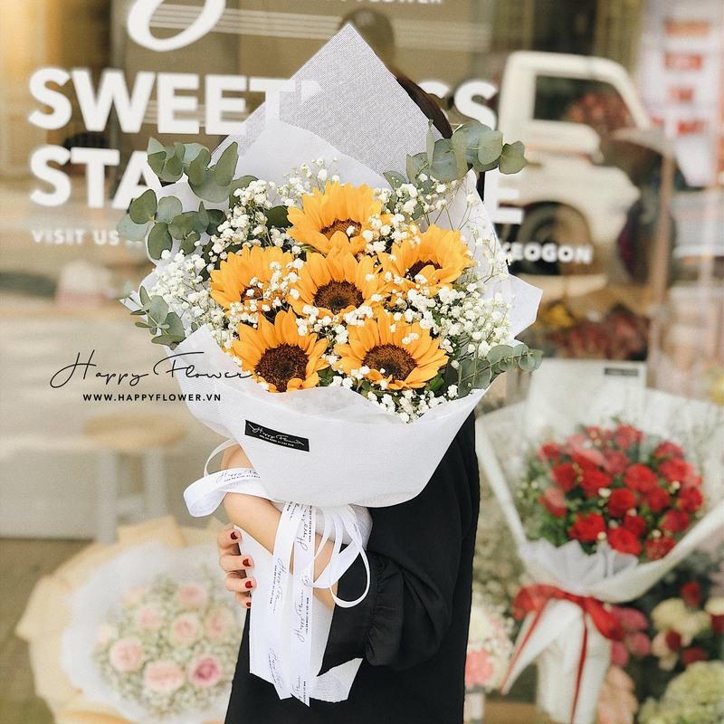bó hoa tốt nghiệp hướng dương mix hoa baby trắng