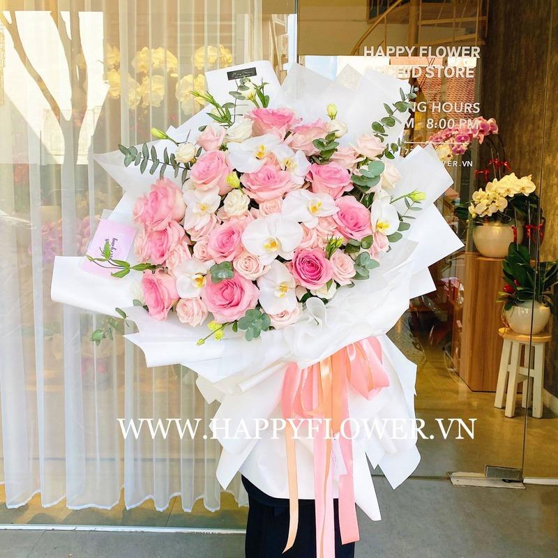 bó hoa tốt nghiệp hoa hồng pastel mix lan hồ điệp trắng
