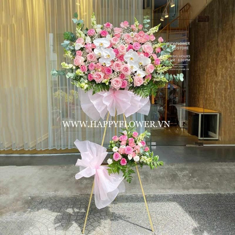 Kệ hoa tặng sinh nhật kết hợp hoa lan hồ điệp