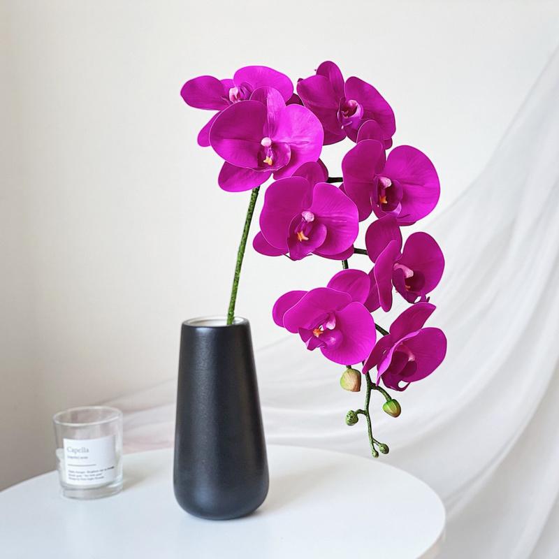 Bình hoa lan hồ điệp tím nhỏ để bàn xinh xắn