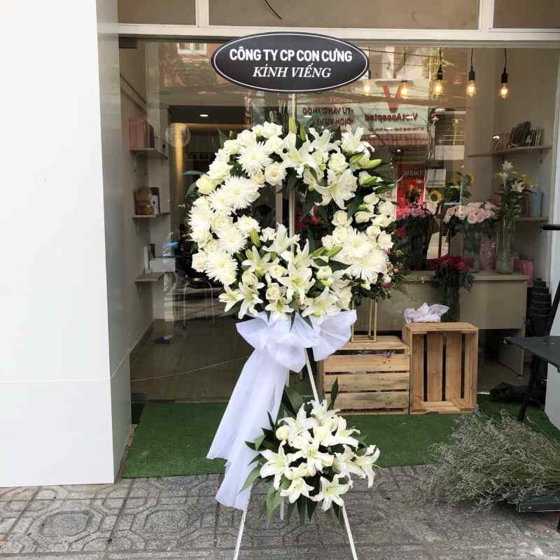 vòng hoa đám tang hoa ly