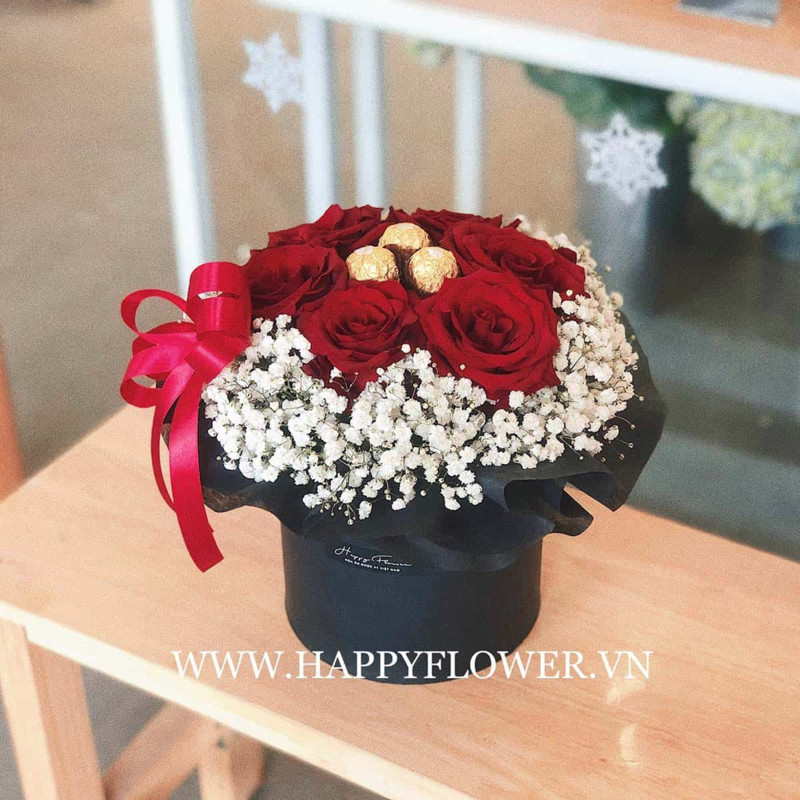 hộp hoa hồng đỏ sinh nhật mix hoa baby trắng mà kèo chocolate