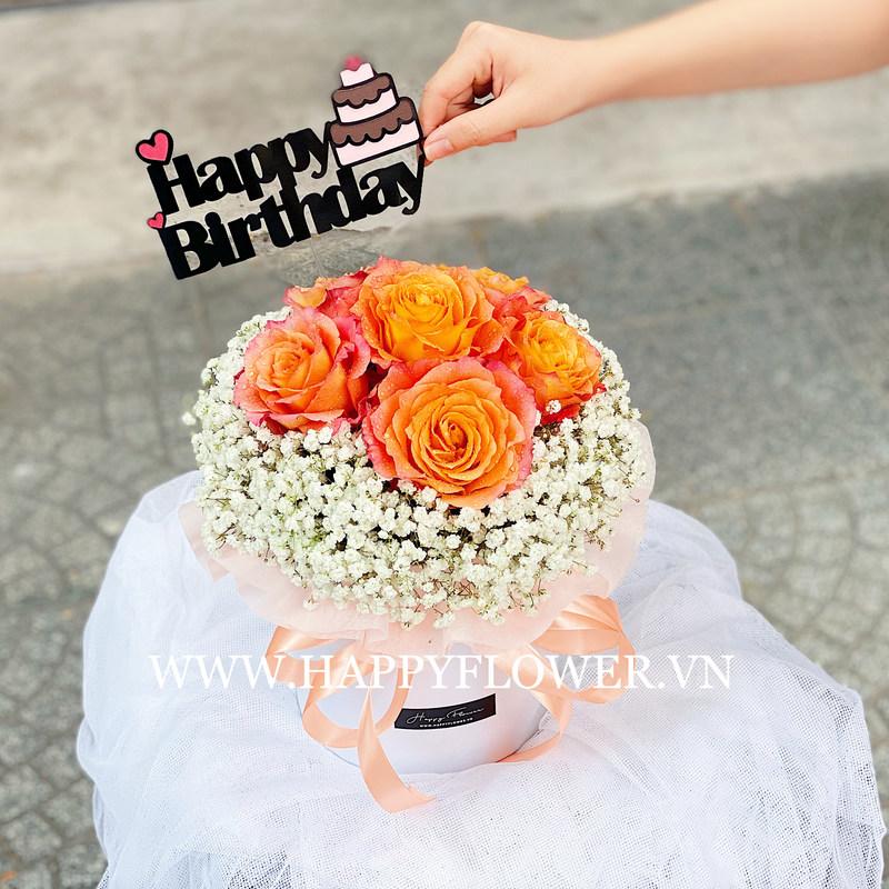 Hộp hoa hồng cam mix hoa bay trắng thay lời yêu thương gửi đến bạn gái
