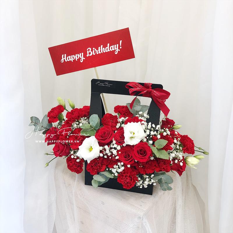 Giỏ hoa hồng đỏ mix hoa baby trắng tặng sinh nhật dầy ý nghĩa